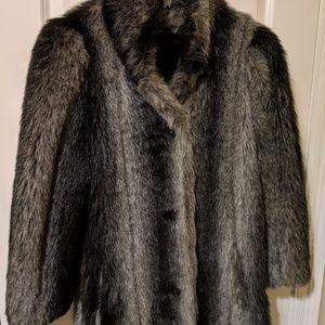 Jackets & Blazers - Gorgeous Faux Fox Stroller Coat